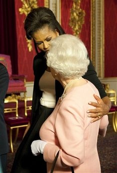 Michelle Obama and Queen Embrace at Britain G20 Summit