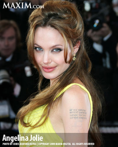 26-Angelina_Jolie_Hot100_l