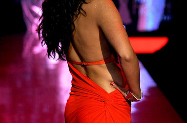 Camila Alves Heart Truth 2011