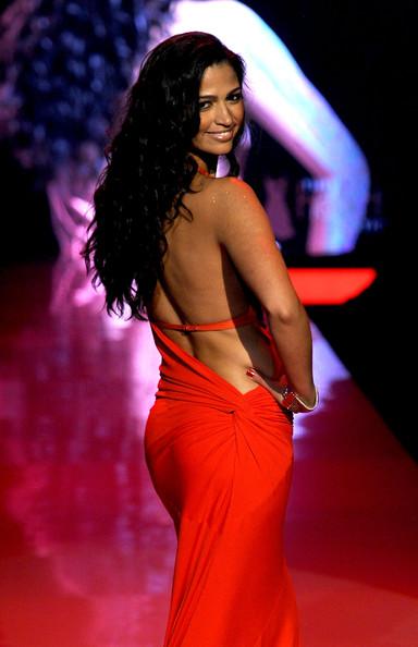 Camila Alves Heart Truth 2011