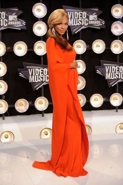 Beyonce Pregnant VMAs